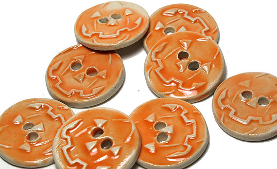 Pumpkin Buttons by Lindabelinda